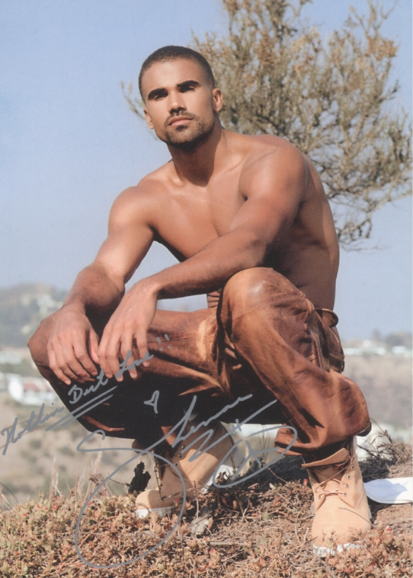 auto shemar2 So...earlier this week nude pics of Shemar Moore were posted for all to ...