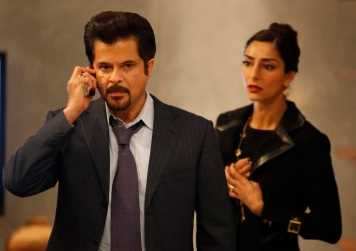 Hassan (Anil Kapoor) and his wife, Dalia (Necar Zadegan), receive a call from the men holding their daughter captive