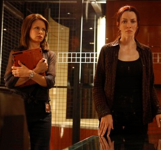 "Chloe (Mary Lynn Rajskub, L) is assigned to take Renee's (Annie Wersching, R) statement in the ""11:00 - 12:00 AM"" episode of 24 that aired Monday, Feb 15 (9:00-10:00 PM ET/PT) on FOX. ©2010 Fox Broadcasting Co. Cr: Kelsey McNeal/FOX"