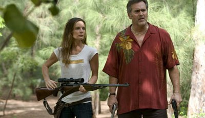 Gabrielle Anwar (Fiona) and Bruce Campbell (Sam)