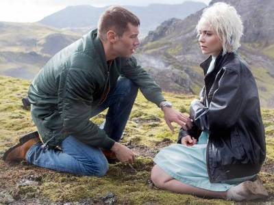 Brian J. Smith and Tuppence Middleton of Sense8