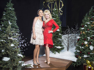Dolly Parton Country Christmas Movie
