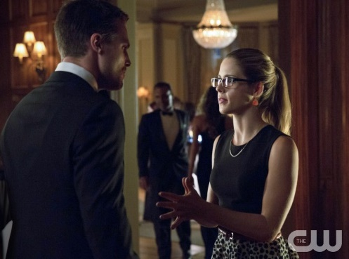 "Arrow -- ""Crucible"" -- Image AR204a_0391b -- Pictured (L-R): Stephen Amell as Oliver Queen and Emily Bett Rickards as Felicity Smoak -- Photo: Jack Rowand/The CW -- © 2013 The CW Network, LLC. All Rights Reserved"