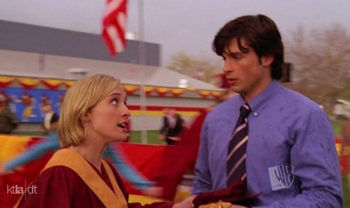 "Clark and Chloe in ""Commencement"""