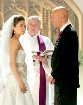 photo of Lois and Lex about to get married