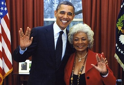 President Obama and Nichelle Nichols (Uhura) giving Vulcan salute